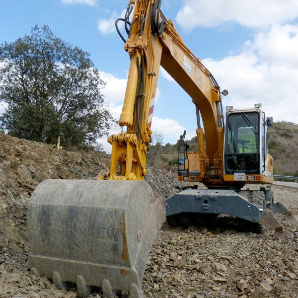 excavator-1219520_1920